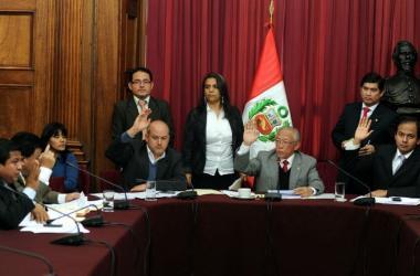 Labor, crisis y restructuración de la Comisión de Ética