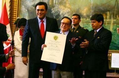 chespirito_congreso_peru