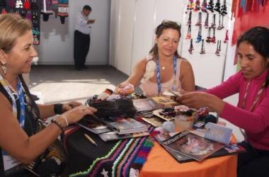 artesanos_de_ayacucho_apurimac_y_huancavelica_en_peru_gift_show_7