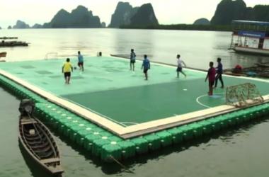 Cancha fútbol flotante