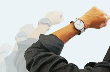 Sony se esconde bajo otro nombre y lanza un smartwatch con tinta electrónica