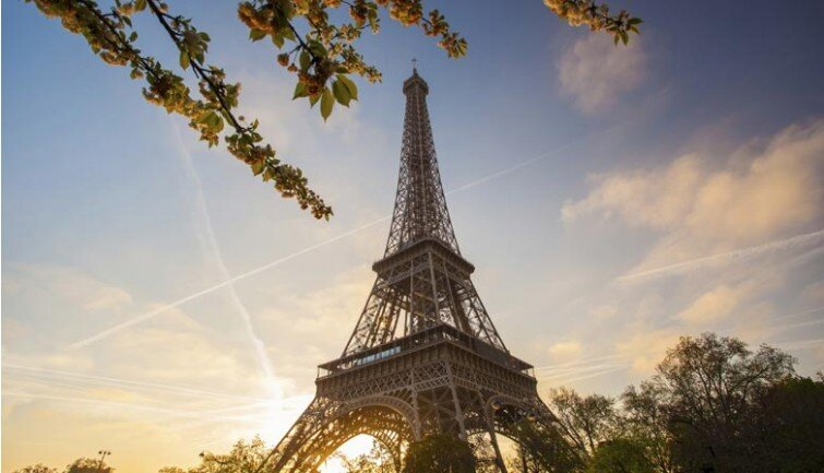 cit-01-eiffel-tower-sunset_1
