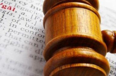 Diferencia entre suspender y derogar una ley