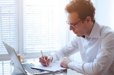 Trabajador independiente regulariza impuestos