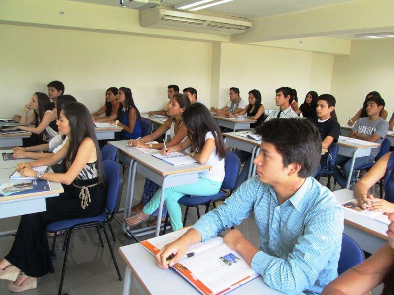becas, becas para jóvenes, estudiantes, universitarios, becas peru, profesionales, PUCP