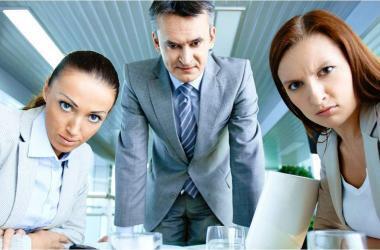 colaboradores, jefe, renuncia, acciones, gestión
