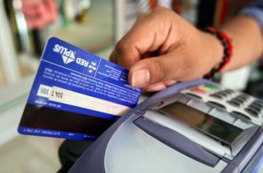 tarjetas, tarjeta débito, finanzas personales, transacciones