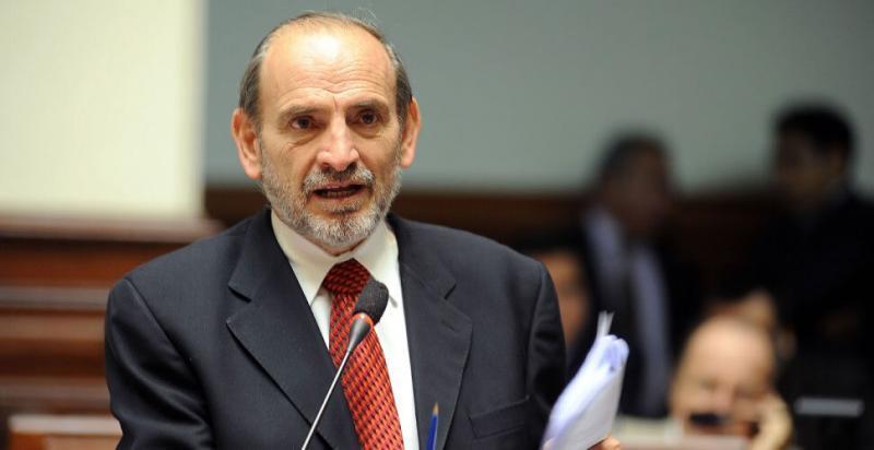 Yehude Simon creará un penal especial para corruptos