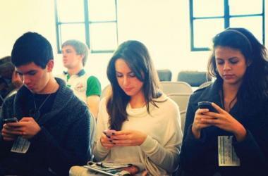 Jóvenes, millennials, empresas, encuestas