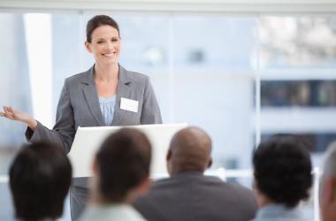 hablar en público, oficina, consejos, negociar, cómo negociar con éxito