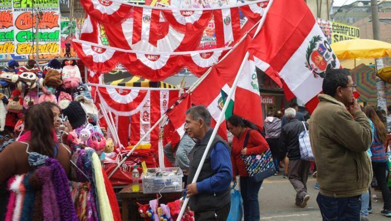 Fiestas Patrias: Gamarra vende más de 2 mil banderas al día
