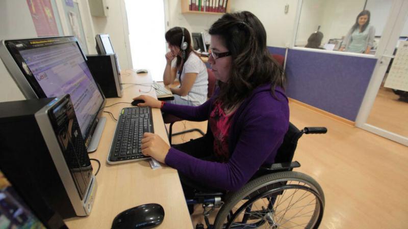 Fijan disposiciones para regular empleo de personas con discapacidad