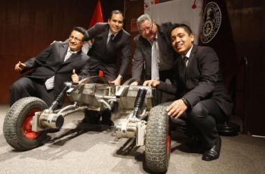 UNI presenta el primer robot minero hecho en Perú
