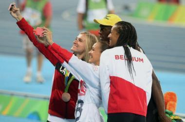 Usain Bolt compartió varios selfies.