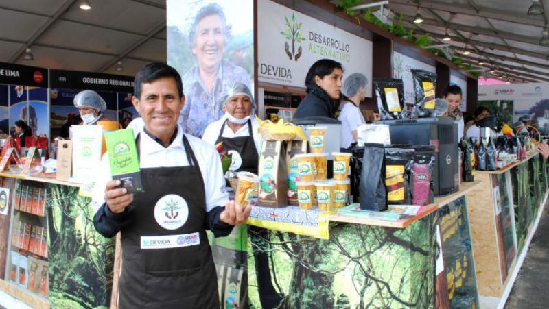 Adolfo Andrade es uno de los 500 agricultores de la Cooperativa Agraria Valle del Monzón.