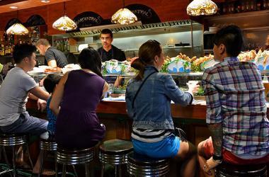 Cuatro estrategias para que tu restaurante obtenga clientes