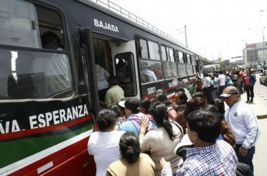 ¿Cómo solucionamos el caos del transporte público?
