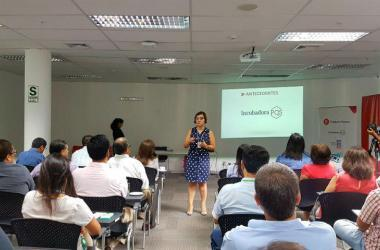 Mara Seminario, gerente general de Fundación Romero.