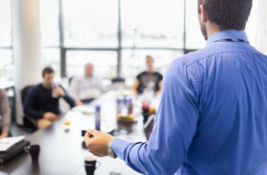 Tips para que mejores tu voz ante los clientes