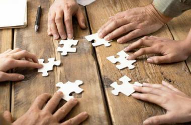 Estrategias para innovar rápido y trabajando en equipo