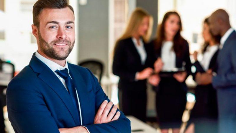 Una encuesta internacional mostró que la gran mayoría de líderes empresariales piensa que los grandes empleados se distinguen por su personalidad. (Foto: Freepik)