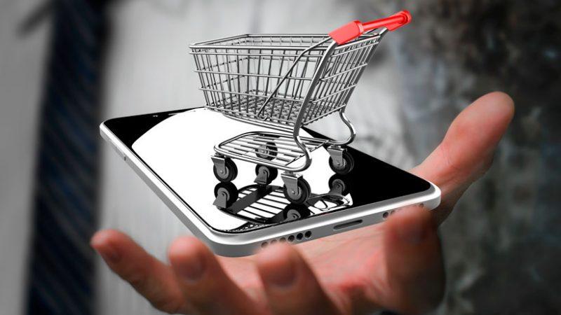 Los propietarios de pequeñas empresas que realizan negocios en línea sienten que les permite recibir pagos más rápido y hacer negocios más fácilmente. (Foto: Getty images)