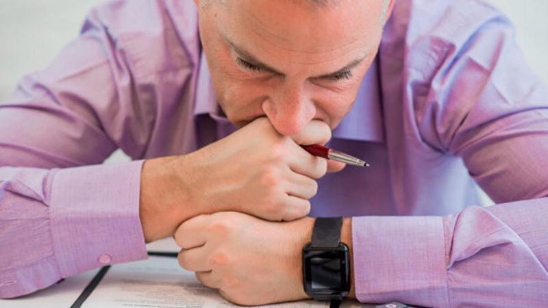 Algunos trabajadores tienen inseguridad de lo que hacen porque sus anteriores jefes no le dieron confianza. (Foto: Freepik)