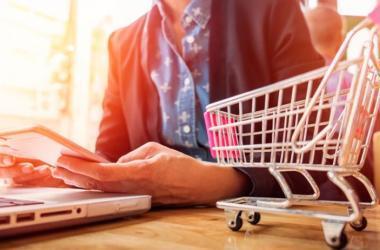 La tecnología ha permitido a las empresas utilizar diversas herramientas para que lleguen a sus consumidores. (Foto: Freepik)