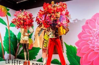 Los maniquís se mantienen como un elemento clave del visual merchandising, especialmente en el escaparatismo. (Foto: Modaes)