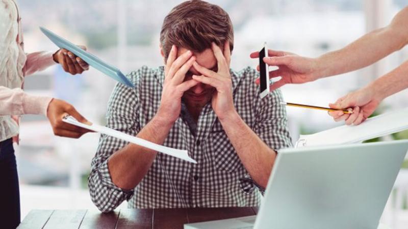 Iniciar y dirigir un negocio exitoso requiere de mucho trabajo, pero no acapares todo. (Foto: Freepik)