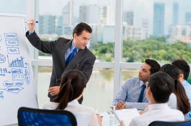 La productividad es una obsesión de pequeños y medianos empresarios. Ya sea para reducir costos o mejorar el lucro, la gestión calificada garantiza la sostenibilidad financiera de las empresas. (FOTO: Getty Images)
