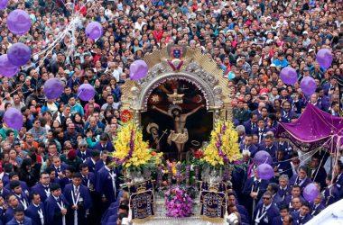La imagen del Cristo Moreno recorre por última vez la calles de Lima este 2017. (Foto: Andina)