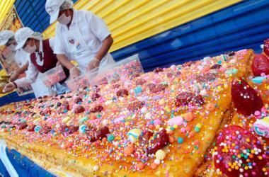 El turrón de Doña Pepa es un dulce tradicional peruano relacionado con la festividad del Señor de los Milagros. (Foto: Andina)