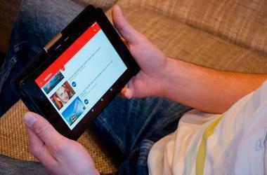 El 75% de los peruanos conectados termina viendo muchos más videos en YouTube de los que planeaba. (Foto: Pixabay)