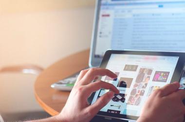 El uso de internet se realiza, principalmente, a través del celular y desde la computadora del hogar. (Foto: Pixabay)
