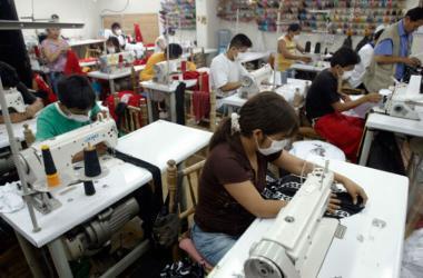 La mayor concentración de negocios informales se da en los sectores: servicios, comercio y manufactura. (Foto: Andina)