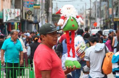 El ajetreo que representa las compras y todo lo relacionado a la Navidad genera estrés. (Foto: Andina)