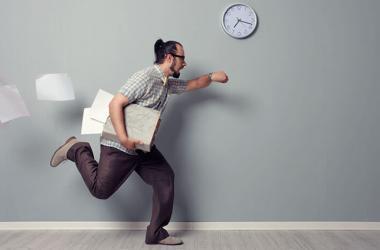 Según la Ley de Productividad y Competitividad Laboral, las tardanzas pueden ser causal de despido. (Foto: Rebel Circus)