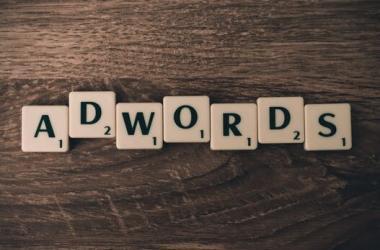 Google AdWords es una plataforma de publicidad patrocinada destinada a potenciales anunciantes, que pagan a Google por cada uno de los clics que un usuario hace sobre su anuncio. (Foto: Pexels)