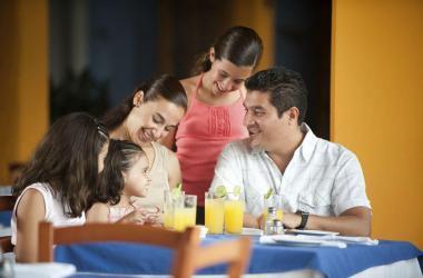 """""""Las mamás tienen derecho a vivir experiencias inolvidables, podemos elegir entre viajes, visitas a restaurantes o entradas para ver espectáculos""""."""