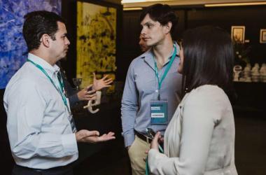 Algunos emprendedores aún no buscan un mentor o si tienen interés en tener uno, no saben cómo encontrarlo y qué esperar de él.