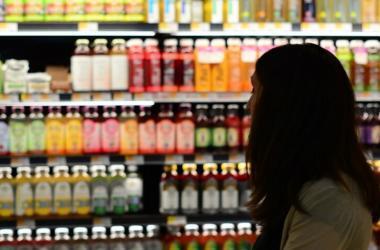 Además de qué tan saludable es un producto, los consumidores toman en cuenta una serie de factores.