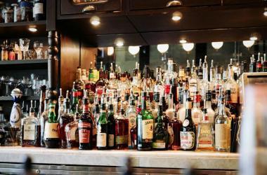 JNE recuerda la prohibición de venta de bebidas alcohólicas. Foto referencial: Pixabay