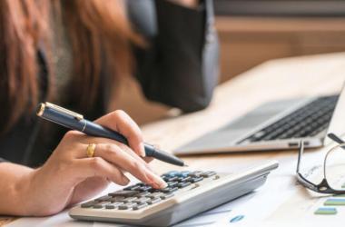 Antes de sacar un crédito se debe analizar si es posible cubrir los pagos en los tiempos fijados. Foto: difusión