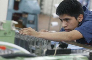 El ministro dijo que continuarán impulsando las compras a las mypes a través del programa MyPerú. (Foto: Andina)