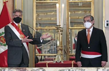 Óscar Ugarte juró como nuevo ministro de Salud