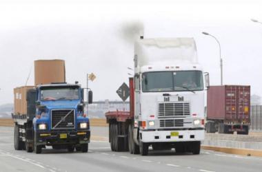 Transportistas: Gobierno aprueba medidas de apoyo económico para el sector
