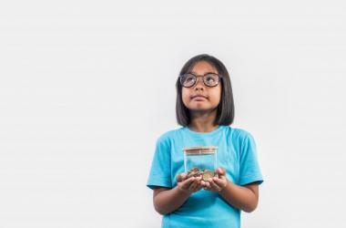 Cinco consejos para inculcar la importancia del ahorro en los niños