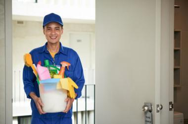 ¿Cuál es el perfil de los operarios de limpieza?