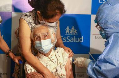 adultos-mayores-vacuna-coronavirus